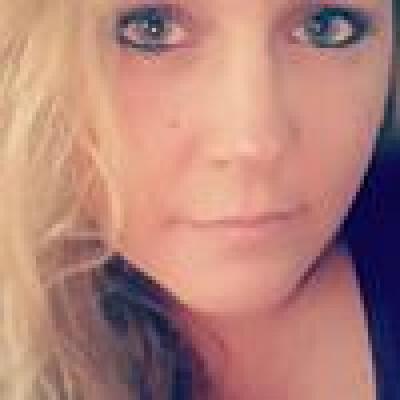 Sonja zoekt een Appartement / Huurwoning / Studio / Woonboot in Amsterdam