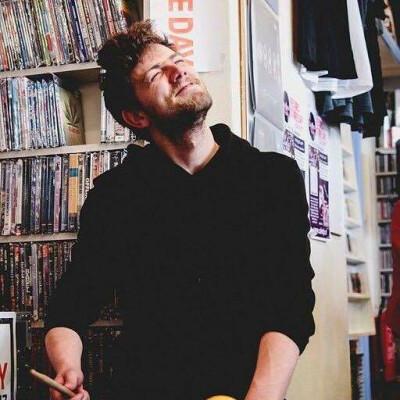 Niels zoekt een Kamer/Appartement/Huurwoning in Amsterdam