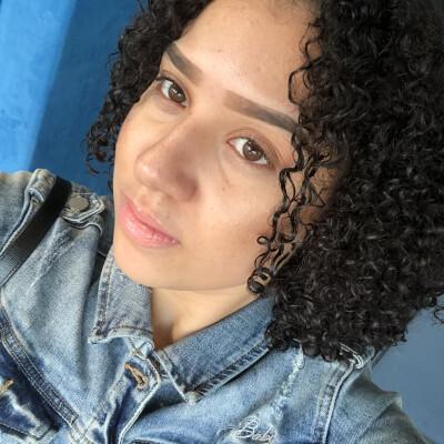 Sabrina zoekt een Appartement / Huurwoning / Kamer / Studio in Amsterdam
