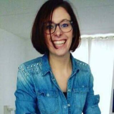 Tineke zoekt een Appartement/Huurwoning/Kamer/Studio in Amsterdam