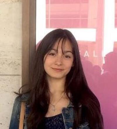 Abril zoekt een Appartement/Huurwoning/Kamer/Studio/Woonboot in Amsterdam