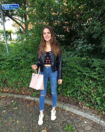 Nadia zoekt een Appartement/Huurwoning/Studio in Amsterdam